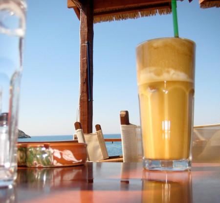 Кофе Фраппе по-гречески