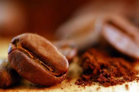Кофе и сода против волос
